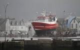 port du Guilvinec en Bretagne dans le mauvais temps - 174686897