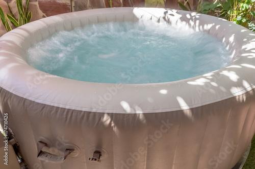 spa gonflable, bain à remous, massages