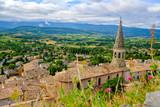 Vue depuis le haut du village de Saint Saturnin les Apt. Provence. France.