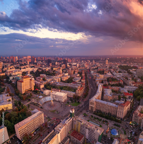 Foto op Canvas Kiev A view from the air to the central street of Kiev - Khreshchatyk, the European Square, Independence Square, Stalin and modern architecture. Ukraine