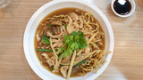 Crispy Noodles with chicken in Thick Gravy - 174962096