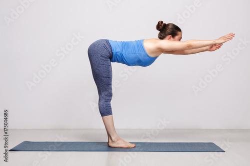Plakat Kobieta robi joga