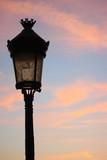 パリ夕焼け、街灯、シルエット - 175065493
