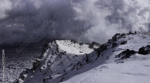 Keuken foto achterwand Donkergrijs Paesaggio di montagna innevato