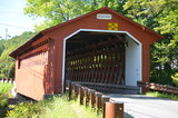 Red covered bridge in Vermont - 175079668