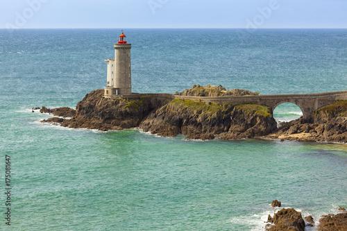 Fotobehang Vuurtoren Lighthouse Phare du Petit Minou near Plouzane, Finistere, Brittany, France