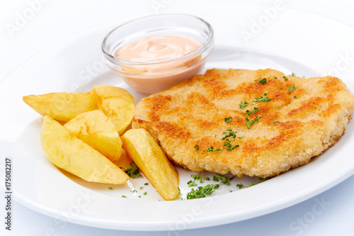 schnitzel with potatoes - 175082217