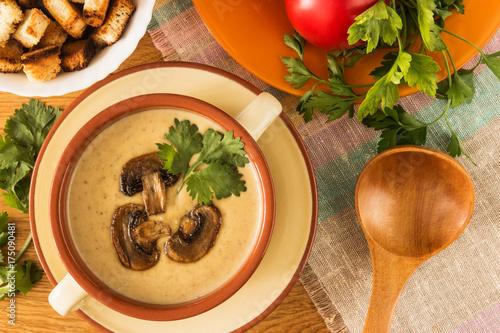 Mushroom soup puree - 175090481