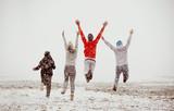 Happy friends friendship run jump first snow - 175100295