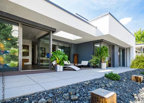 wysokiej jakości dom niskomowy