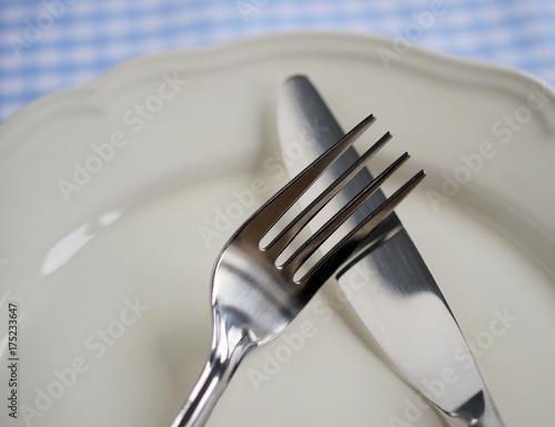Leinwanddruck Bild Essstörung - der Teller bleibt leer