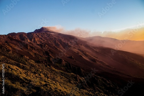 Foto op Canvas Ochtendgloren Etna e Valle del Bove - Luci dell Alba