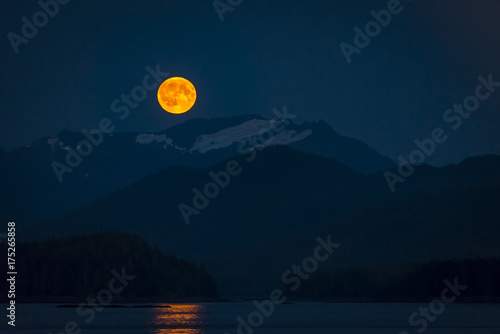 Fotobehang Nachtblauw Fullmoon with mountain landscape