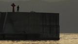 夕日 防波堤 釣り人 - 175318400