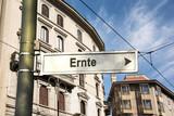 Schild 242 - Ernte - 175359417