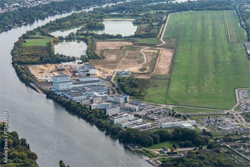 Vue aérienne du site de construction de l'usine où sera assemblée Ariane 6 chez Poster