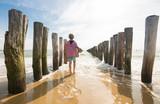 Strand mit Buhnen bei Flut - 175533826