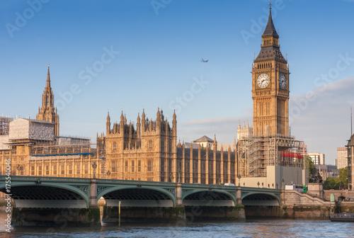 In de dag Milan Westminster bridge, Big Ben in the morning