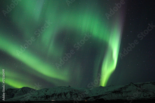 Foto op Plexiglas Landschappen The Northern Lights (Aurora borealis) over Jokulsarlon in Iceland