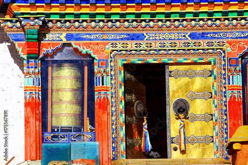 Papiers peints Buddha in a Buddhist monastery in Tibet