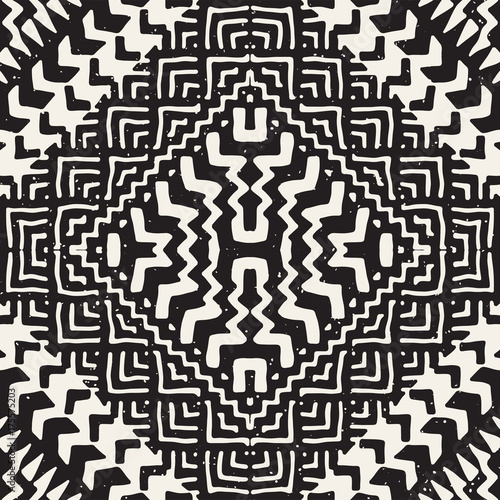Black and white tribal vector seamless pattern with doodle elements. Aztec abstract art print. Ethnic ornamental hand drawn backdrop. - 175575203