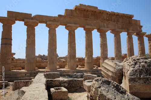 la-acropolis-en-selinunte-sicilia-italia