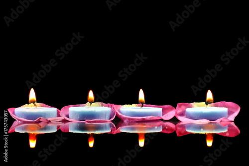 Papiers peints Zen Lighted candles