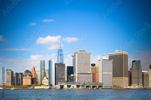 Fotobehang Brooklyn Bridge New York City skyline with view of Financial District in lower Manhattan