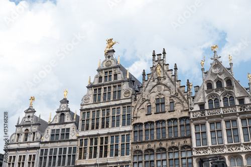 Foto op Aluminium Antwerpen Beautiful 16th Century Dutch-inspired architecture that surrounds the Grote Markt in the City Centre of Antwerp, Belgium. Belgium vernacular architecture from the 16th century.