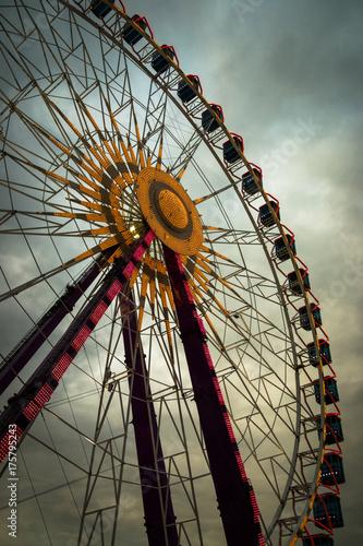 Keuken foto achterwand Amusementspark Ferris wheel-Oktoberfest