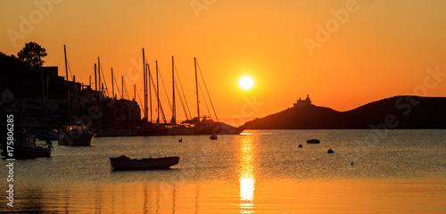In de dag Oranje eclat Greece, Kea island. Sunset over the sea,