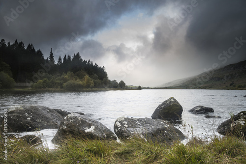 Foto op Plexiglas Wit Dawn landscape image of Llynnau Mymbyr in Autumn in Snowdonia National Park