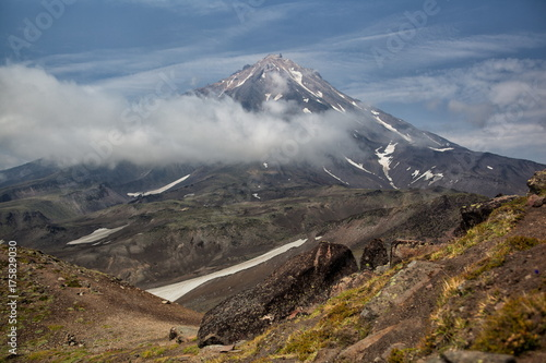 Poster Diepbruine Nature of Kamchatka (mountains, volcanoes, ocean)
