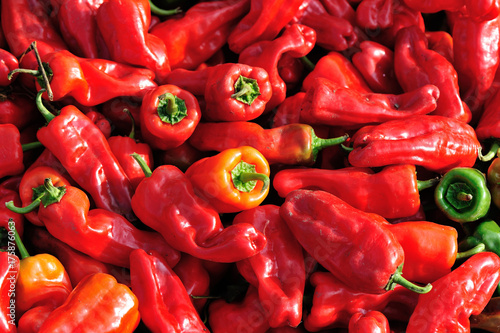 Foto op Aluminium Hot chili peppers fresh chilli pepper selling at vegetable market