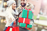Picture of couple shopping for Christmas in the city - 175903037