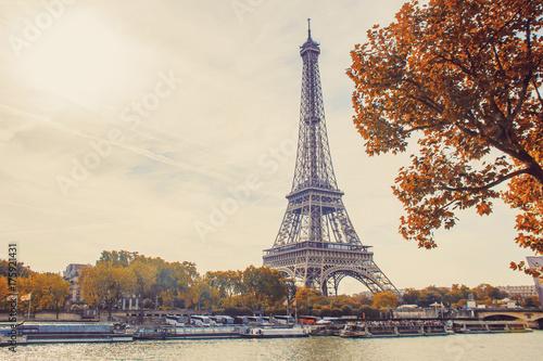 Tuinposter Eiffeltoren Eiffel Tower. Selective focus.