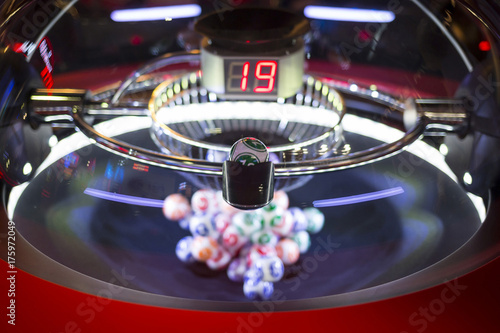Foto op Aluminium Las Vegas Colourful lottery balls in a machine 19