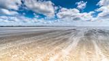 Spuren am Strand - 175978425