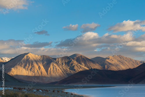 Fotobehang Blauwe jeans Himalaya mountains background from leh lardakh,india