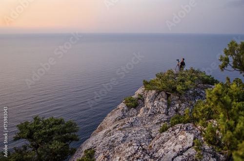 Fotobehang Zonsopgang На вершине встречая рассвет