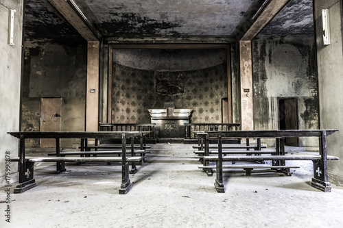 Aluminium Oude verlaten gebouwen Abandoned church