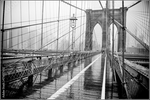 Brooklyn Bridge - 176017632