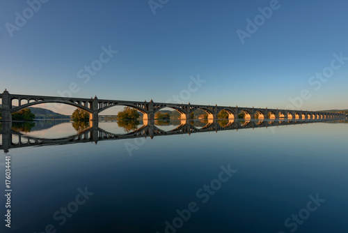 Fotobehang Bruggen Veterans Memorial Bridge