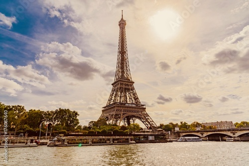 panorama of paris eiffel tower in france poster affiche acheter le sur. Black Bedroom Furniture Sets. Home Design Ideas