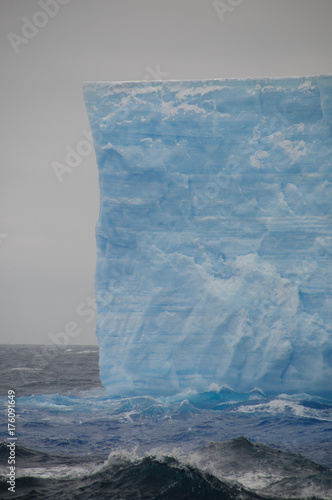 Staande foto Antarctica Giant Tabular Iceberg in the Anarctic Weddell Sea