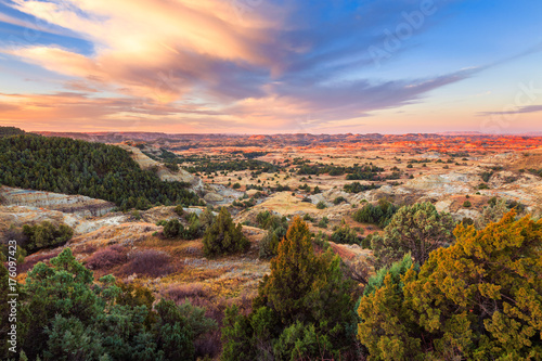 Keuken foto achterwand Ochtendgloren Sunrise over Theodore Roosevelt National Park, North Dakota