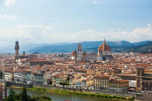 Deurstickers Florence Panorama von Florenz in Italien mit Toskana-Bergen im Hintergrund