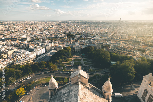 Spoed canvasdoek 2cm dik Baksteen muur Evening Light on Sacre-Coeur and Montmartre - Paris