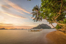 El Nido Beach, Sunset Palms