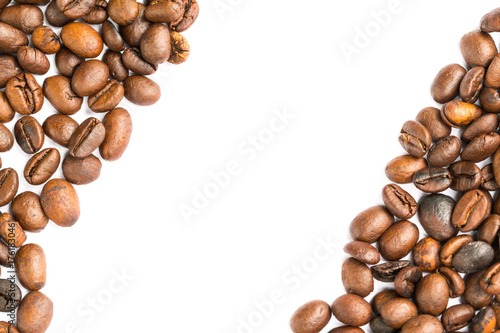 Fotobehang Koffiebonen Coffee beans stripes isolated in white background
